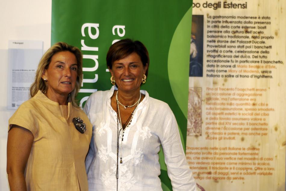 A sinistra, Giovanna Parmigiani, e a destra, Eugenia Bergamaschi, presidente regionale e nazionale del settore suinicolo di Confagricoltura Modena (2015).